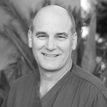 Dr. Daniel Craviotto